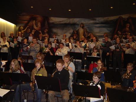 Kammerkór Hafnarfjarðar og Stórsveit Tónlistarskóla Hafnarfjarðar í febrúar 2005